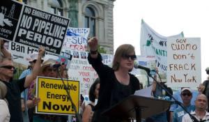 Sandra_Steingraber_Rally
